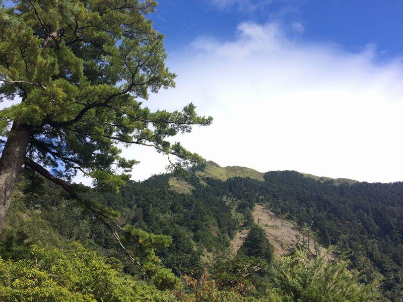 台湾山脈の分水嶺が見えてきた