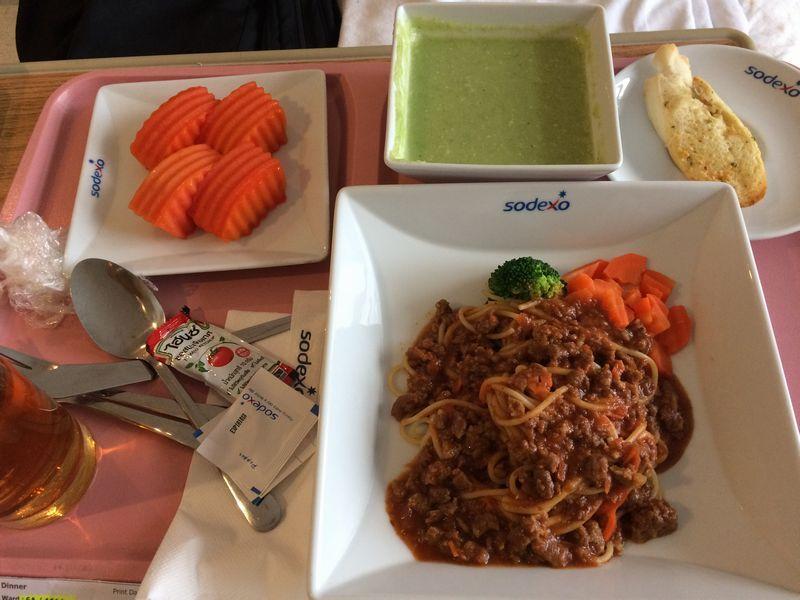 スパゲッティとブロッコリースープ