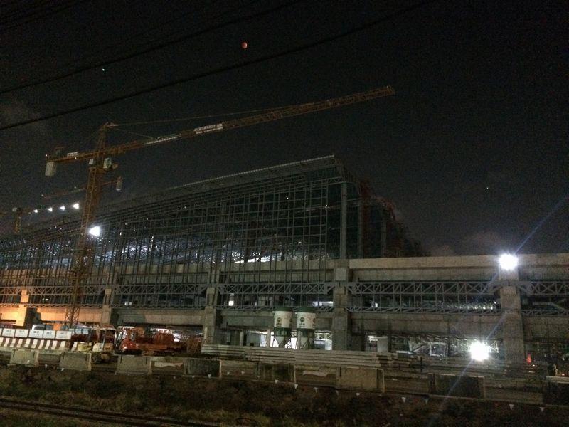 巨大ターミナル駅建設工事