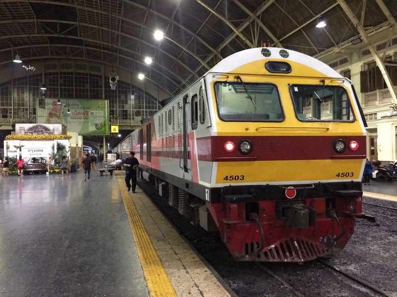 日立製の新型機関車
