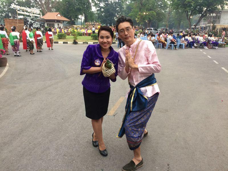 県観光課の女性とスナップ
