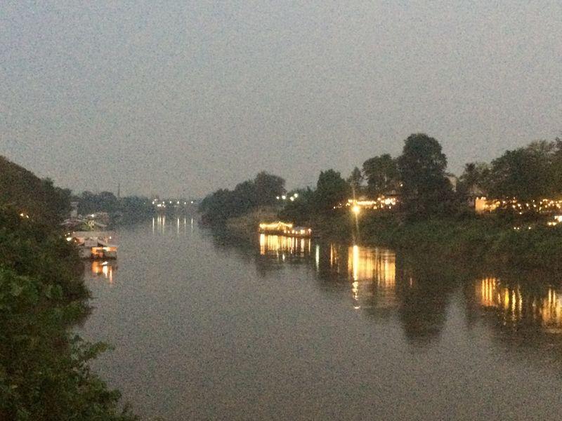 ナーン川の夕暮れ