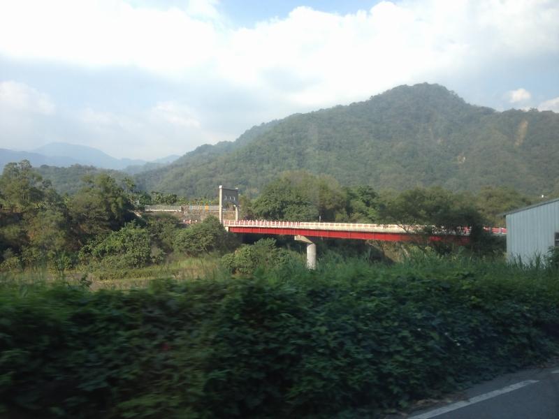 清流部落入り口の橋