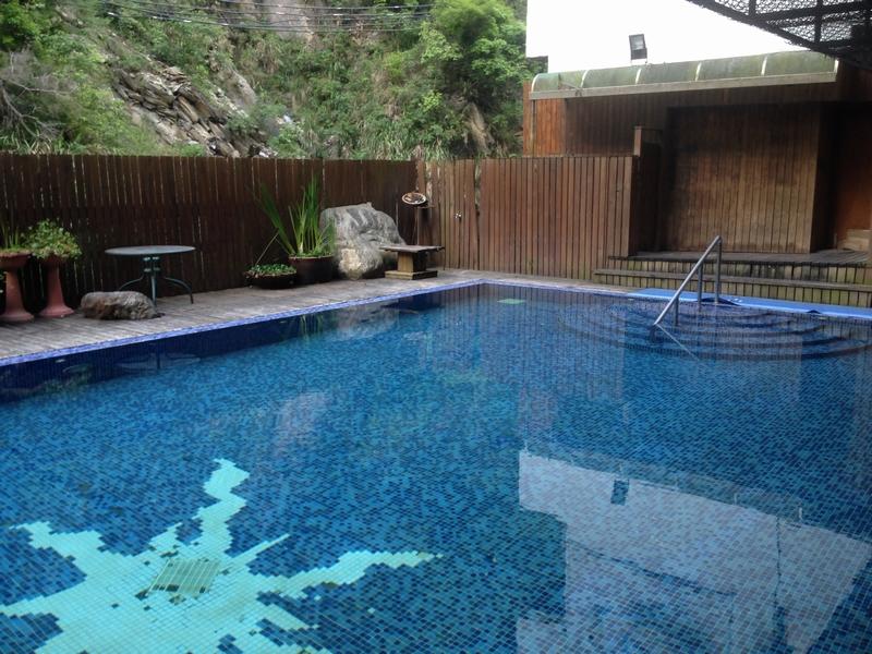 冷たい温泉プール