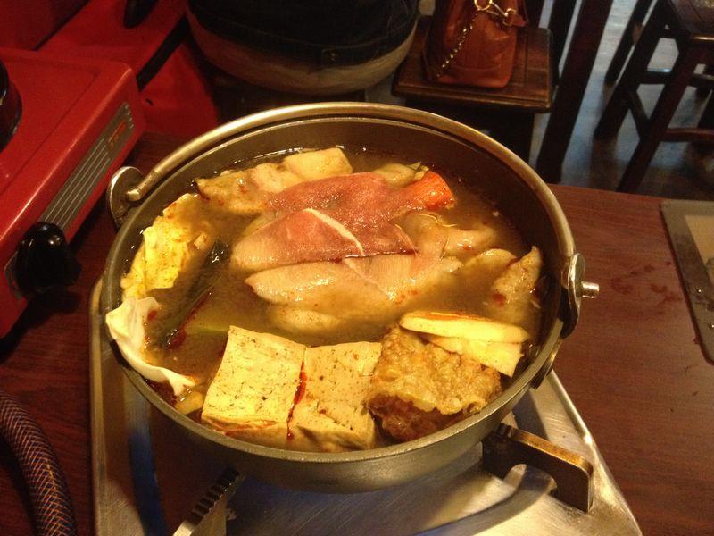 豚肉スライス追加した麻辣火鍋