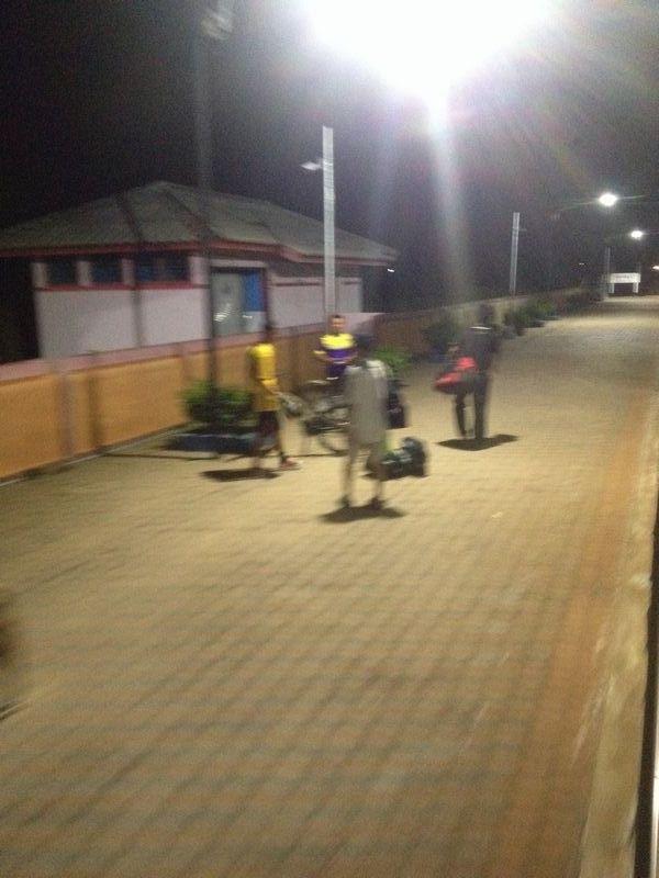 スパンブリー駅到着