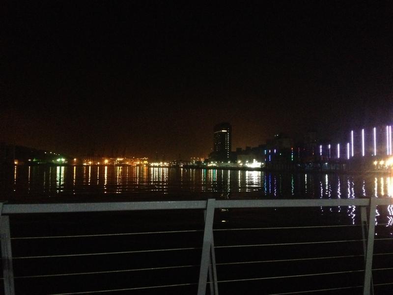 真夜中の基隆ハーバーライト