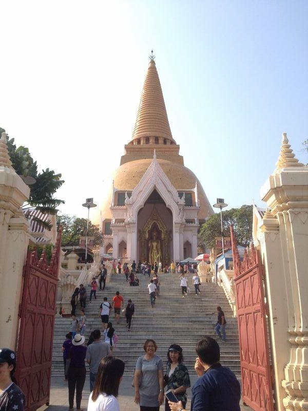 ナコンパトムの大仏塔