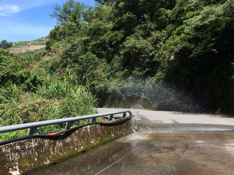 送水管からの水漏れ