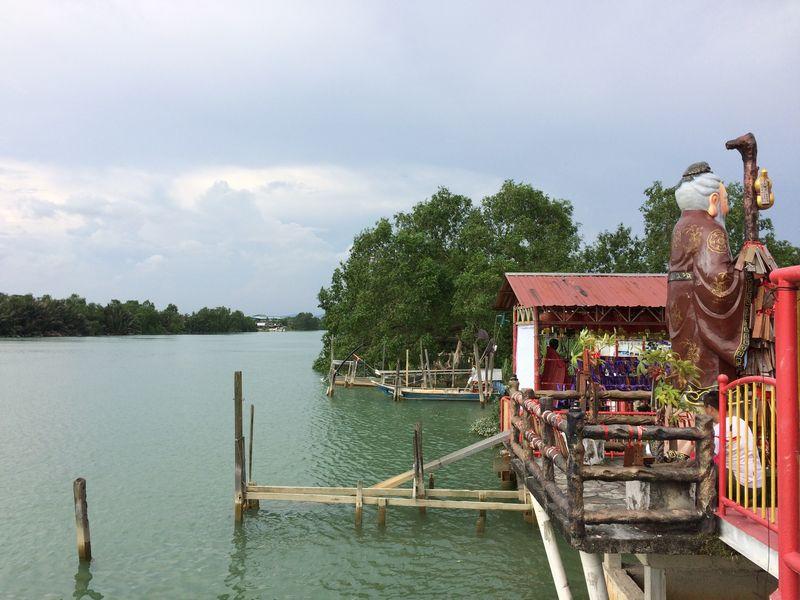 廟から眺めたバトゥパハ河