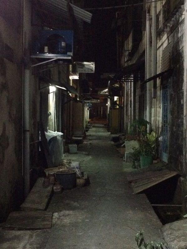 日本人倶楽部裏の路地