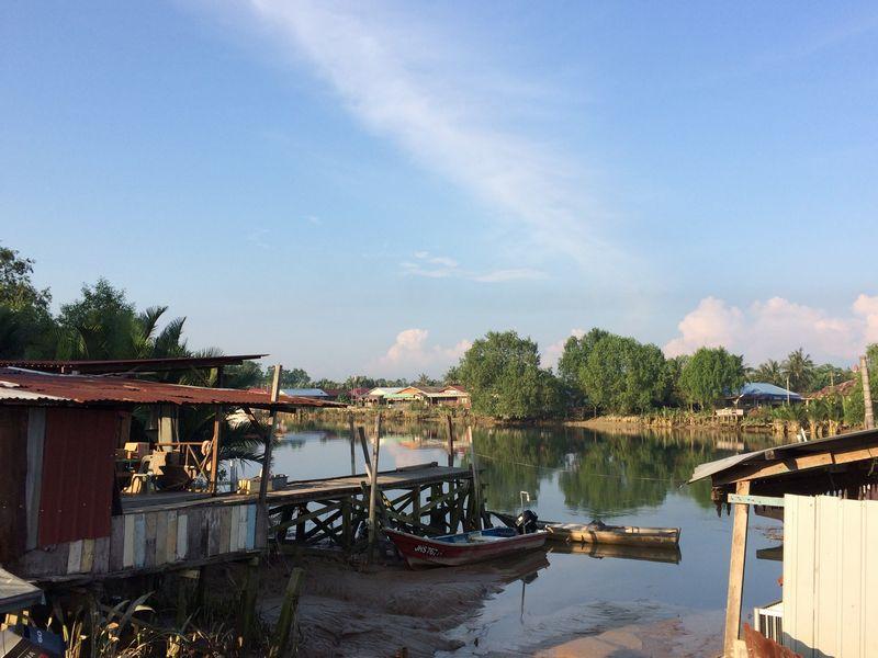 朝のバトゥパハ河