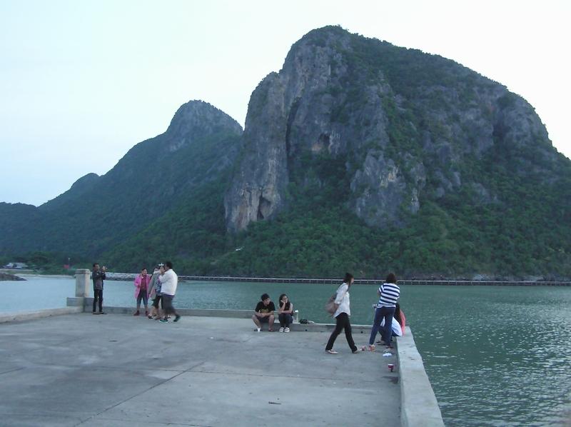 朝の観光客